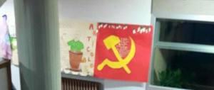Serravalle: no all'albero di Natale, gli alunni disegnano falce e martello