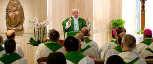 Il Papa: no ai cristiani dalla doppia vita, evitate la mondanità spirituale