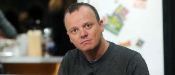Gigi D'Alessio a processo per rapina: strappò via l'attrezzatura ai paparazzi