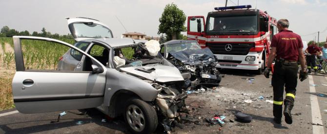 Droga e alcol uccidono più dei clan: in Italia un incidente mortale al giorno