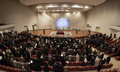 Iraq, in tv il deputato sciita spara al collega sunnita. Il colpo va a vuoto