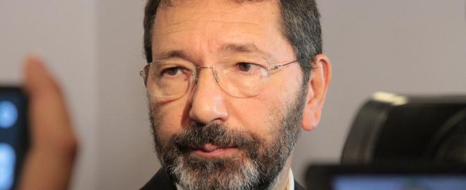 """Scontrini: """"L'ex sindaco Marino ha truffato il Comune"""". Chiesti 3 anni"""