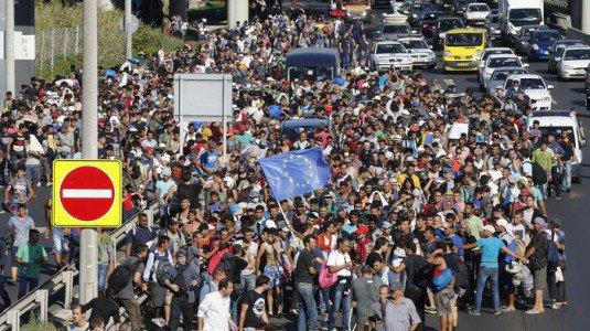 """Gli ebrei tedeschi alla Merkel: serve un tetto limite agli """"sbarchi"""" dei migranti"""