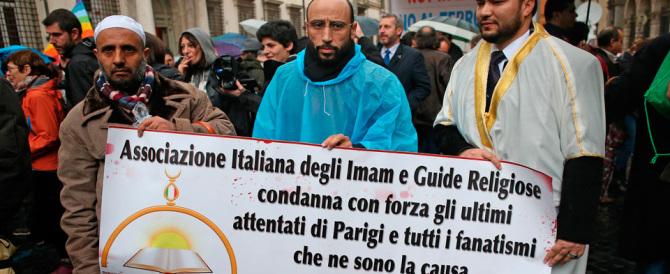 """Musulmani in piazza a Roma e Milano: """"Insieme battiamo il terrorismo"""""""