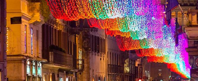 """Non c'è più Marino, """"liberiamo"""" pure il Natale romano: basta luci pacifiste e gay"""