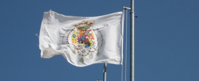 Napoli, proibito essere neoborbonici: sequestrate bandiere allo stadio
