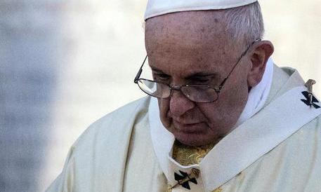 Il Papa: «Nessuno ignori il dramma profughi. Imploro soluzioni»