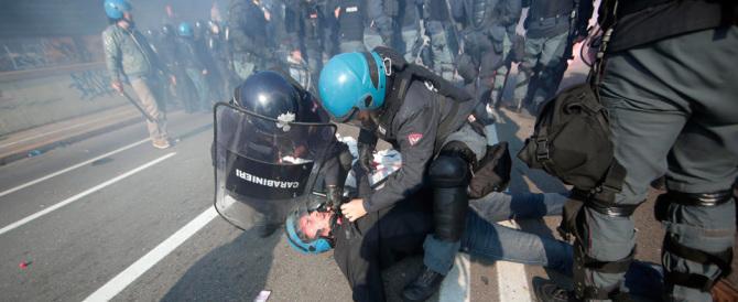 La rabbia della polizia: «I delinquenti sono armati, noi con le mani legate»