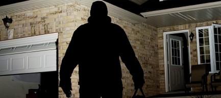 Bergamo, rapinati in casa da ladri dell'Est: «Temevamo ci uccidessero»