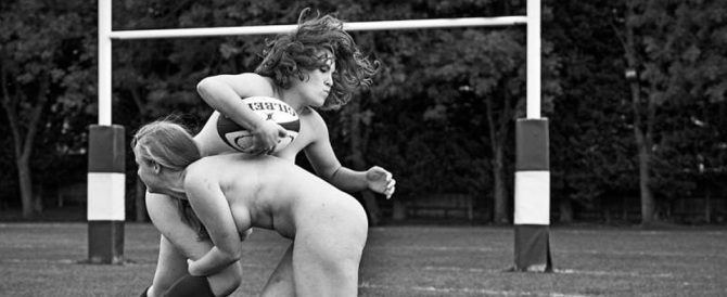 Nude per solidarietà: il sexy calendario delle ragazze dell'Oxford rugby