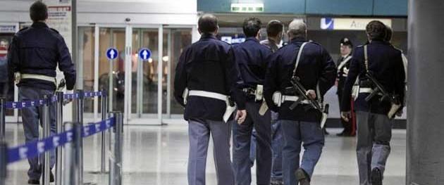 Terrorismo, allarme miliziani in Italia: fermati due siriani e un afgano