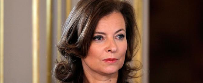 La Trierweiler infilza Hollande con un tweet: l'ex premier dame si vendica