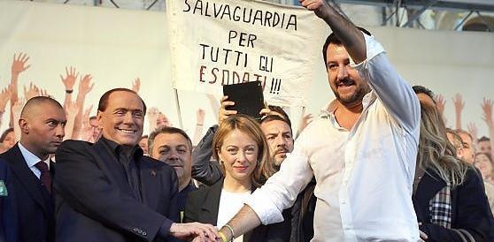 """""""Renzi a casa"""". Berlusconi, Meloni e Salvini in piazza a Roma il 6 febbraio"""