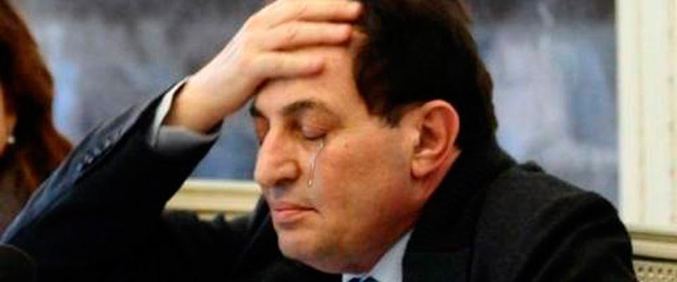 Ennesima croce per la Sicilia: Crocetta s'è giocato anche Internet