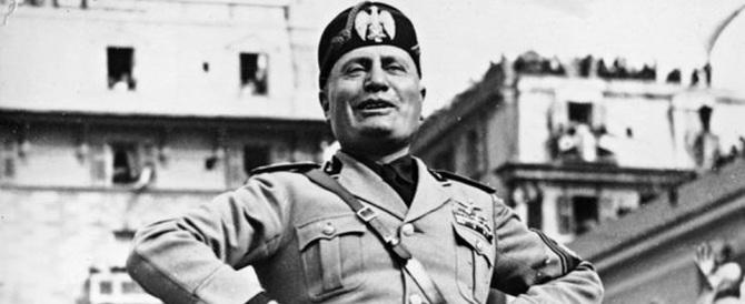 """""""Tutti pazzi per Mussolini"""": il duce ora seduce anche la sinistra"""