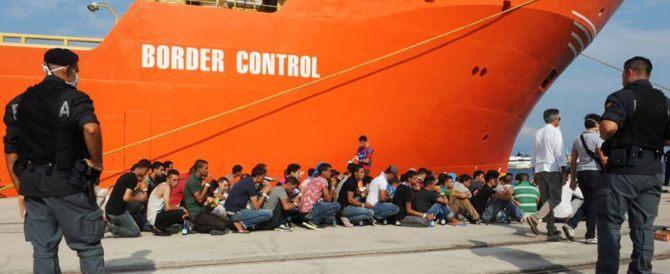 La Norvegia ci scarica altri 900 migranti: a Oslo non li vogliono
