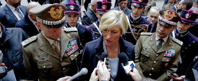 """La Pinotti s'è desta: """"Il controllo sui migranti deve partire dalla Libia"""". Ma dai? (Video)"""