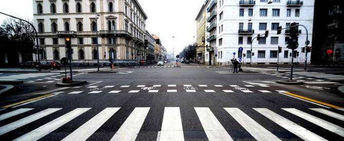 Ecco la soluzione di Renzi contro lo smog: «Limite di 30 km all'ora in città»
