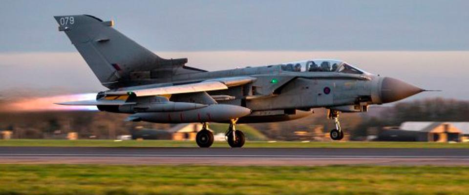 Quattro Tornado inglesi decollano da Cipro: iniziano i raid anti-Isis della Raf