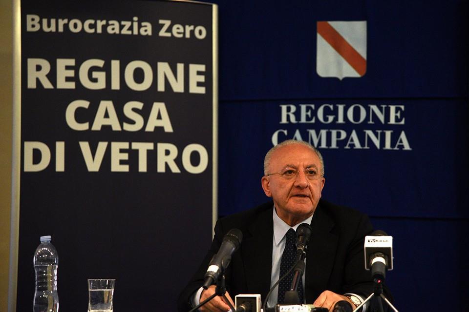 """Bufera su De Luca: spesi 40mila euro di fondi Ue per avere più """"like"""" sul web"""