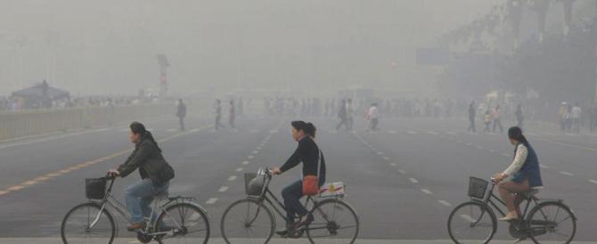 Smog, è ancora allarme rosso a Pechino: chiuse fabbriche e scuole