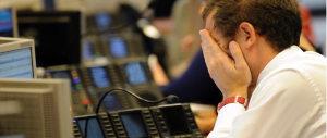 Lacrime e sangue, non per loro: 2 mln e 400 ai vertici delle banche salvate