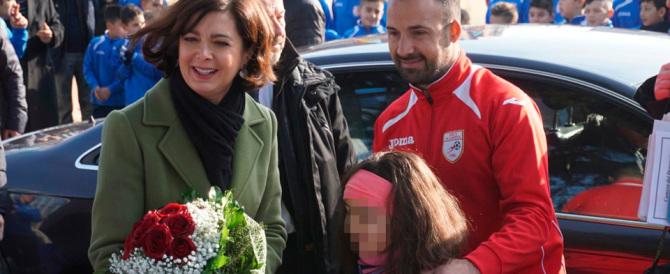 Passerella della presidente Boldrini a Scampia tra gli applausi dell'Arci