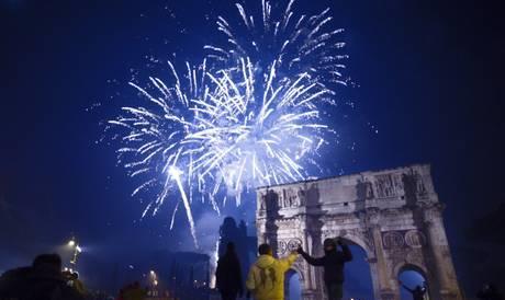 A Roma niente Capodanno in piazza: destra e sinistra unite contro Tronca