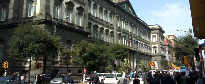 La Napoli di De Magistris cade a pezzi: crolla anche l'università Federico II