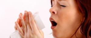 Arriva l'influenza e l'esperto avverte: «Troppi farmaci non servono»