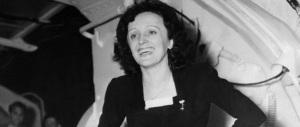 """I cento anni di Edith Piaf: in mostra il """"passerotto"""" con l'anima da rockstar"""