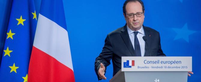 """Hollande ci ripensa. Cittadinanza revocata ai terroristi """"binazionali"""""""