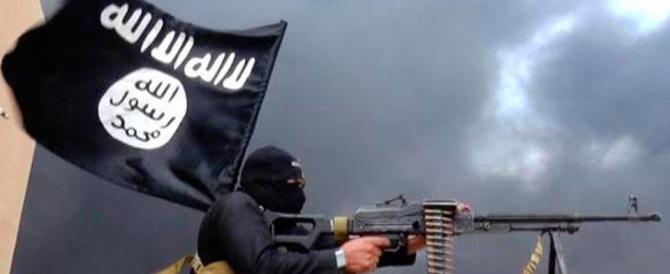 """Isis, giustiziata una donna """"colpevole"""" di aver allattato il figlio per strada"""