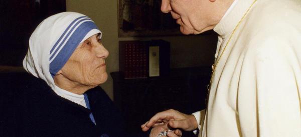 Madre Teresa di Calcutta sarà santa: Papa Francesco firma il decreto