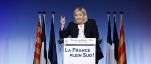 Le Pen vola nei sondaggi e doppia Hollande. Nel 2017 può vincere, per 3 motivi