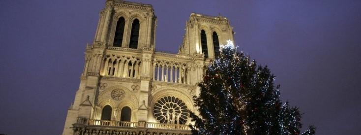 Niente albero a Notre-Dame: anche così il terrore cambia il volto di Parigi