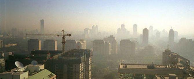 Smog, a Milano livelli allarmanti. Governo in difficoltà