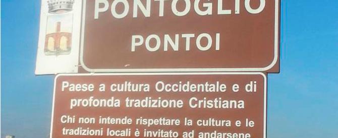 Pontoglio, cartelli con i valori cristiani: così il centrodestra accoglie i migranti