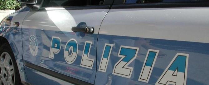 Prete pedofilo arrestato in Calabria, adescava i ragazzini su Grinder