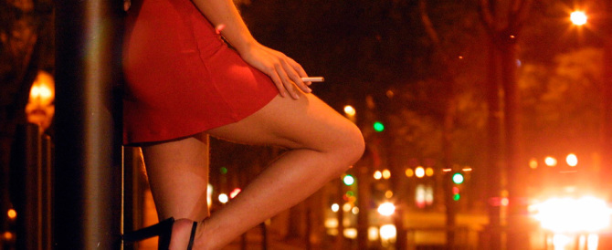 "Il Papa incontra a sorpresa venti ex prostitute ""a cui restituire la dignità"""