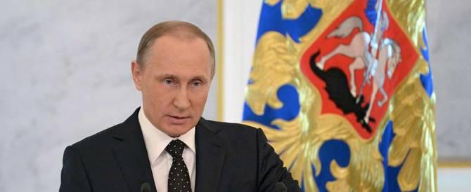 Missili su Raqqa. Putin: «L'Isis non ci costringa all'uso di armi nucleari»