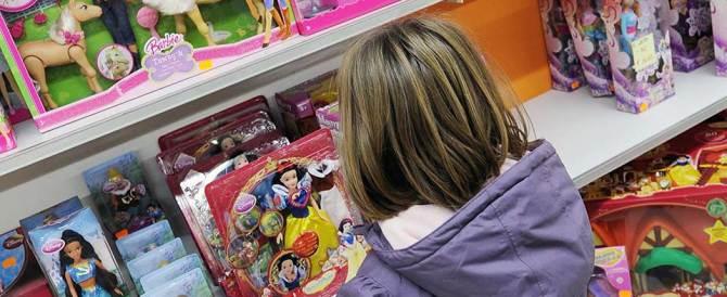 Rapine al Toys Center: due colpi a Roma in mezzo a mamme e bambini