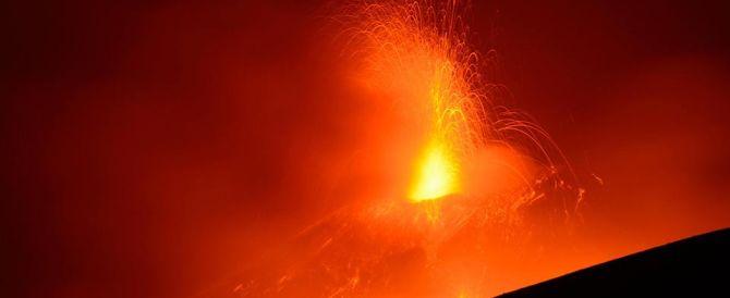 Lo scivolone del grillino Santangelo: «L'Etna può risolvere i nostri problemi»