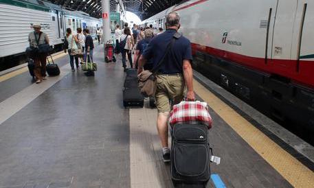Due agenti dividevano coi rom il bottino dei furti: 20mila euro a settimana
