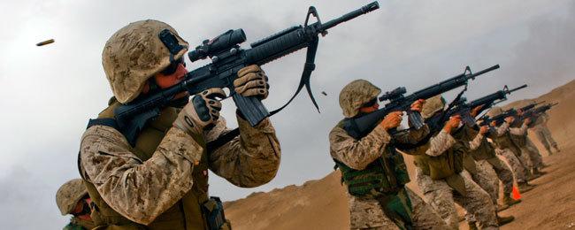 Forze speciali in Siria, Apache in Iraq: nuovo piano degli Usa contro l'Isis