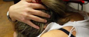 Lucca, si butta addosso una ragazzina e la palpeggia: somalo arrestato per tentata violenza