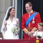Il giorno delle nozze tra William e Kate; il matrimonio fu seguito da milioni di persone in tv.(Foto Twitter, Wikipedia)