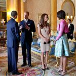 Barack Obama e Michelle ospiti della coppia, giusto qualche settimana dopo il matrimonio. (Foto Twitter, Wikipedia)