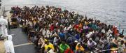 Migranti, passa la fiducia al Senato. FI: «Altro che svolta, è la catastrofe»