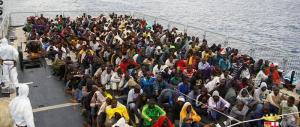 Migranti, è boom di sbarchi in Italia. E Al Viminale scatta l'allarme rosso